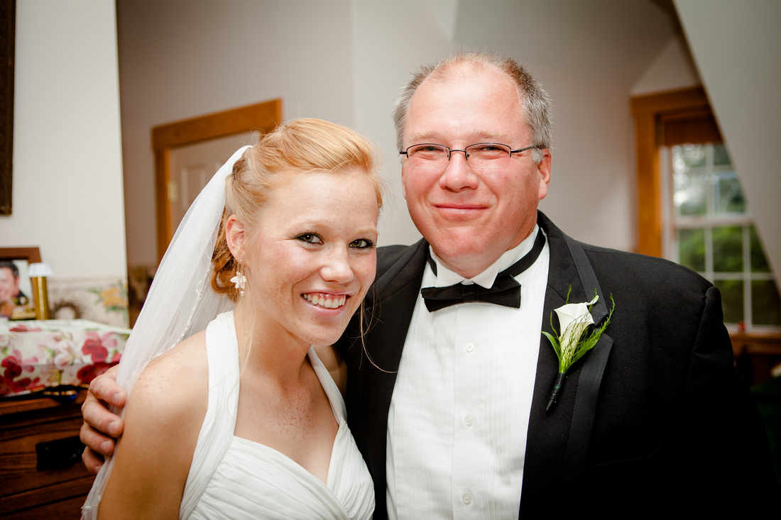 father of the bride outdoor wedding photography harrisburg central pennsylvania rose finley the focus photography