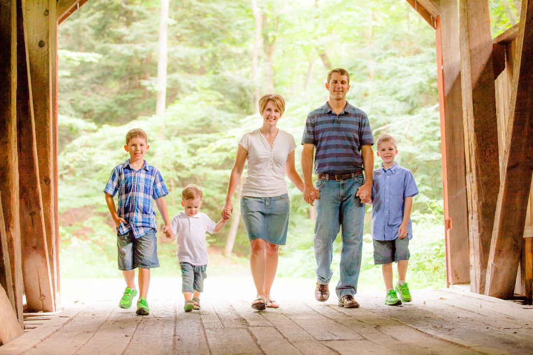 family pictures portraits little buffalo state park pennsylvania rose finley photographer photography the focus photography