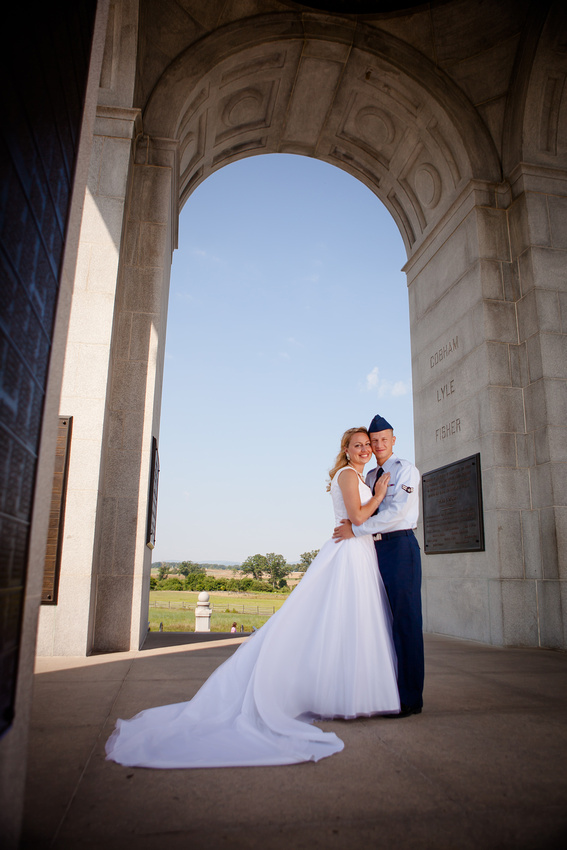 bride groom portraits gettysburg pennsylvania battlefield first look military ariforce photography photographer rose finley the focus photography do not copy copyright