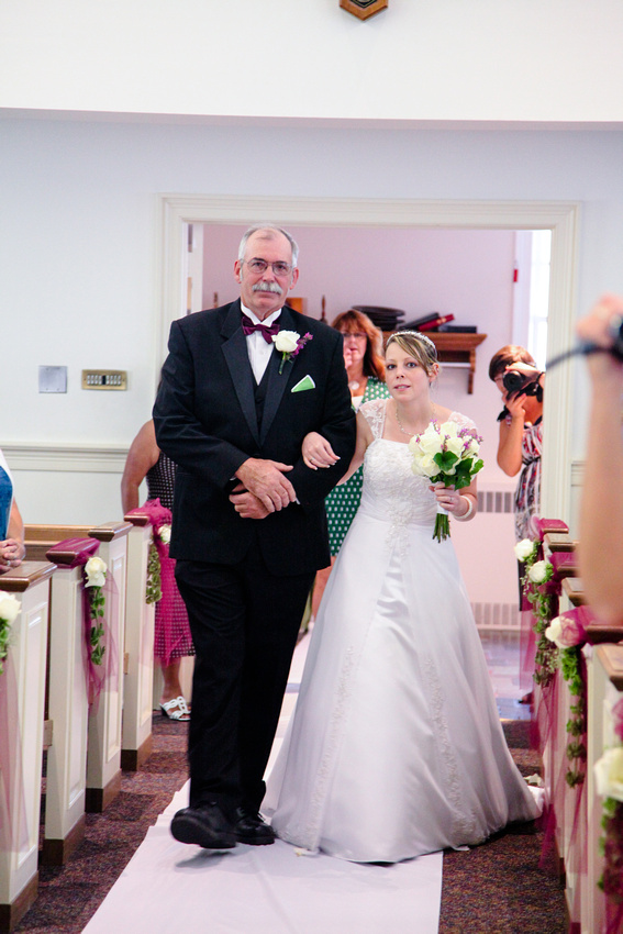 father walking the bride isle