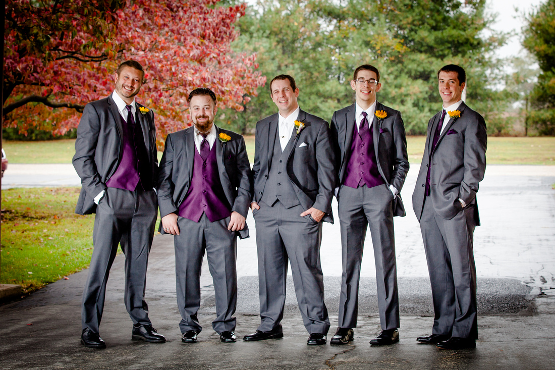 groom with groomsman