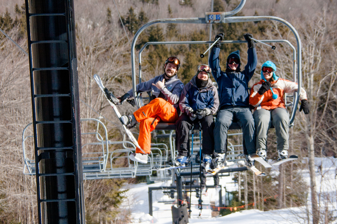 Snowshow chair lift